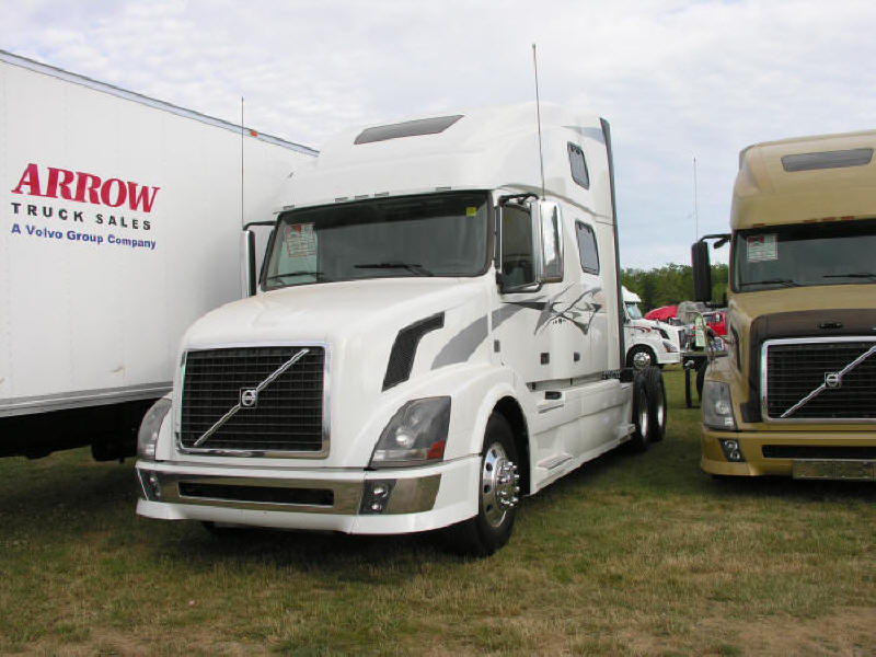 Picture of shiny new Volvo truck at Fergus Truck Show